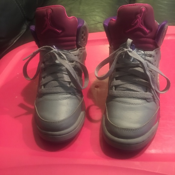 detailed look ab68d 0c12b Jordan's Size 3.5y